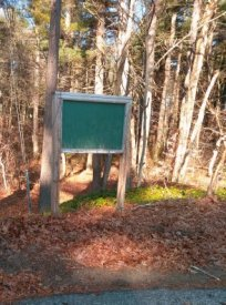 Blank trail sign at cul de sac on Indian Trail in Hanson.