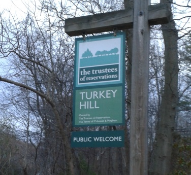 turkey hill trail sign in Hingham