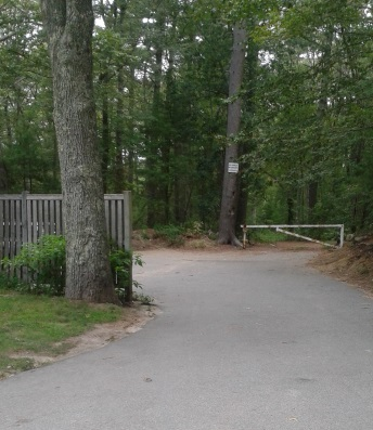 parking area and trail for couch beach