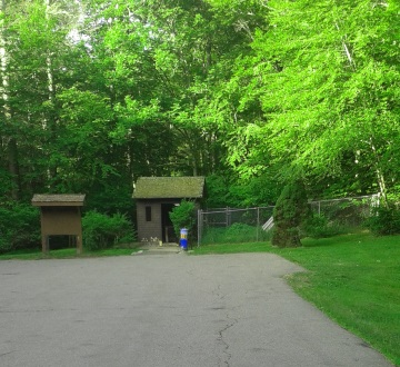 Mount Blue Spring and it's parking area at Wompatuck State Park.