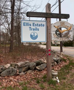 Ellis Estate Trails sign