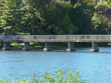 memorial bridge at island grove in abington