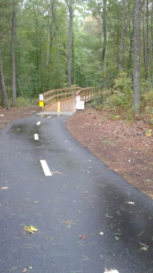 boardwalk on pathway in norwell