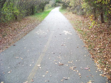 divided roadway at pond meadow park in braintree