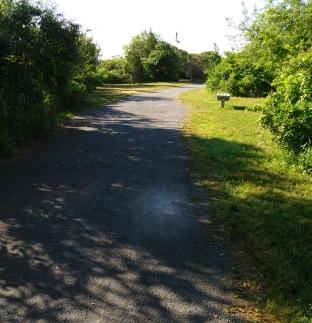 Hiking trail approaching the Donald Haviland Memorial