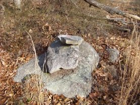 cairn points the way on the boundary trail