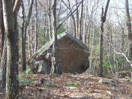 large climbing rock in moccasin valley