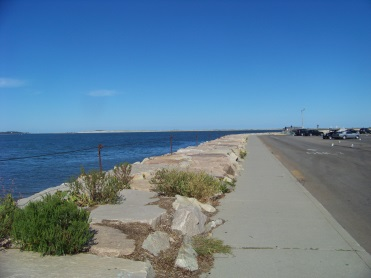 breakwater start at the side of parking lot road way