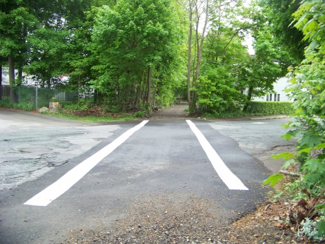 crossing at Howard st on Rockland Rail Trail