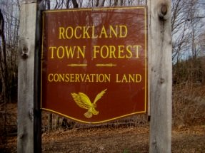 rockland town forest sign