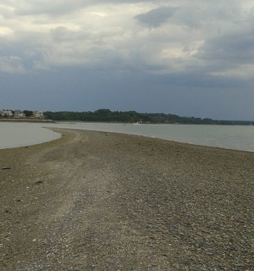 Sand spit that appears at low tide on Bumpkin Island.